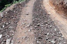 Ünalan Seyrantepe köylerinde yol çalışmaları devam ediyor