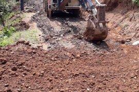 Yokuşlu köyü yol çalışmaları devam ediyor