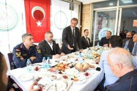 Karşıyaka Karadenizliler derneğine kahvaltı programı