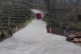 Yolbaşı köyünde köprü ve yol bakım çalışması