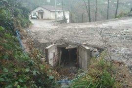 Yokuşlu köyü yolu açıldı