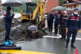 Ormanlı köyünde arızalı su borusu onarıldı