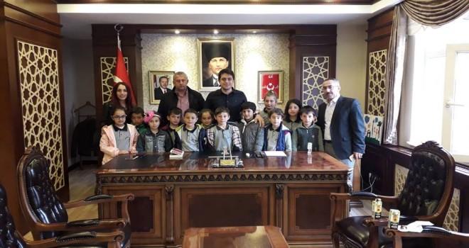 Okul Öğrencilerinden Kaymakam'a Ziyaret