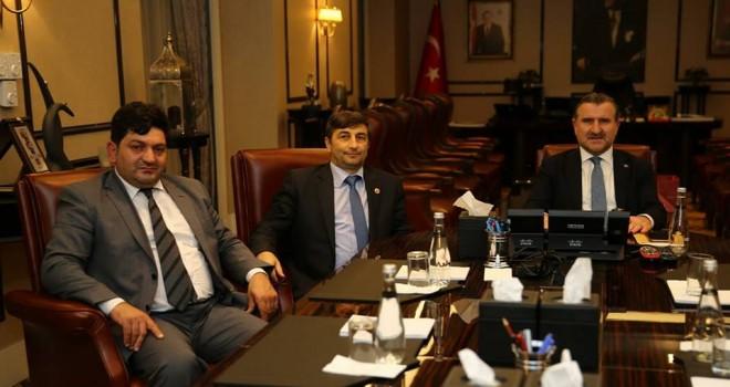 Bakan Osman Aşkın Bak'ı Makamında Ziyaret Ettiler