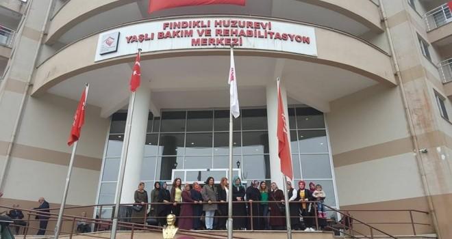 AK Parti Kadın Kollarından Huzurevi Ziyareti