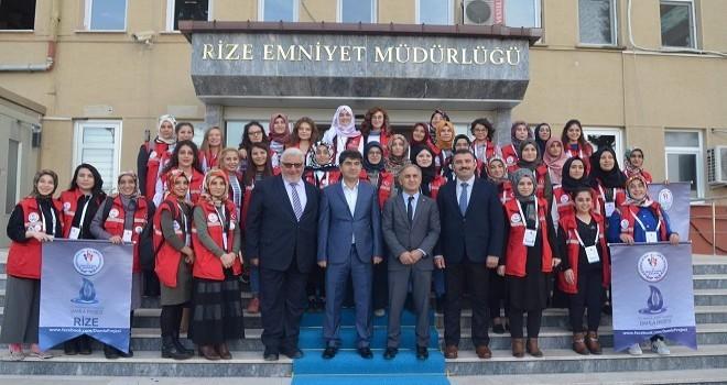 40 Gönüllü Üniversiteli Genç Rize'de Etkinlik Faaliyetlerine Başladı.