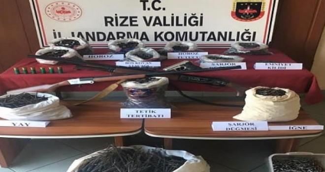 Rize'de güvenlik kuvvetlerinin yaptığı operasyonda 11 kişi yakalandı ..