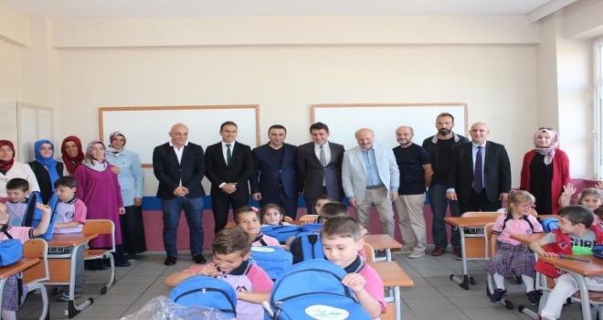 Kalkandere Vakfı Okul Çantası ve Kırtasiye Yardımı