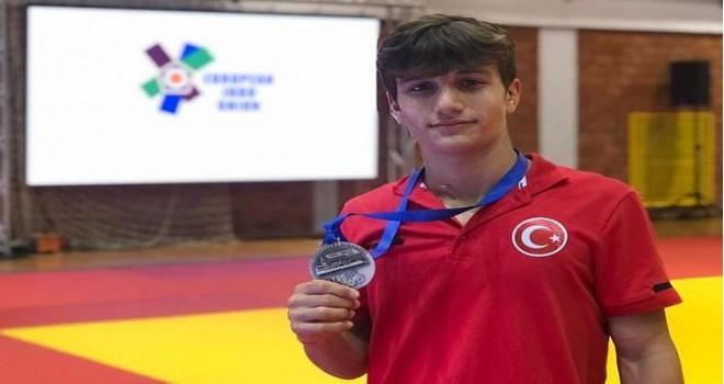 Rizeli Milli judocu Avrupa 3.sü