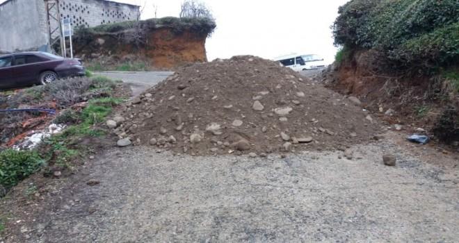 Korona virüsle mücadele kapsamında köy yolları kapatıldı