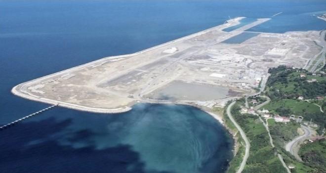 Bakan Karaismailoğlu, Rize-Artvin Hava Limanında İncelemelerde Bulundu
