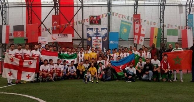 Rize'de Düzenlenen 1.Mini Dünya Futbol Turnuvası renkli Görüntülere Sahne Oldu