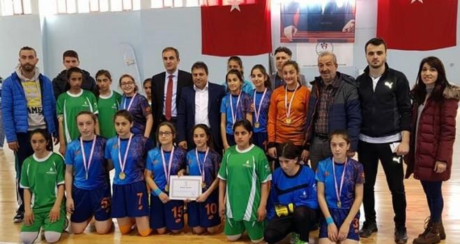 Kalkandere Atatürk Okulu Futsal Takımı Şampiyon Oldu