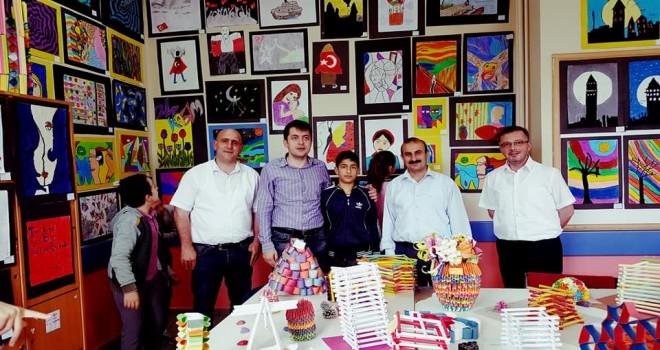 Kalkandere Atatürk Ortaokulunda Resim Sergisi