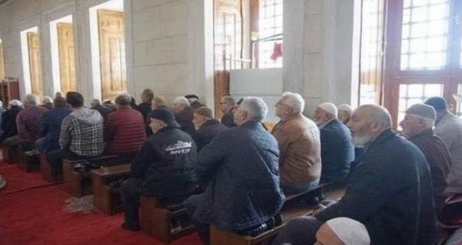Camilerde Kilise Düzenini Andıran Namaz Kılma Devrine Son Verdi !..