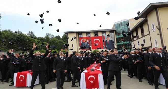 Kalkandere Polis Meslek Eğitim Merkezinde Mezuniyet Töreni Yapıldı