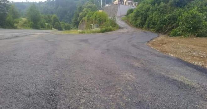 Kalkandere'de asfaltlama çalışmaları devam ediyor