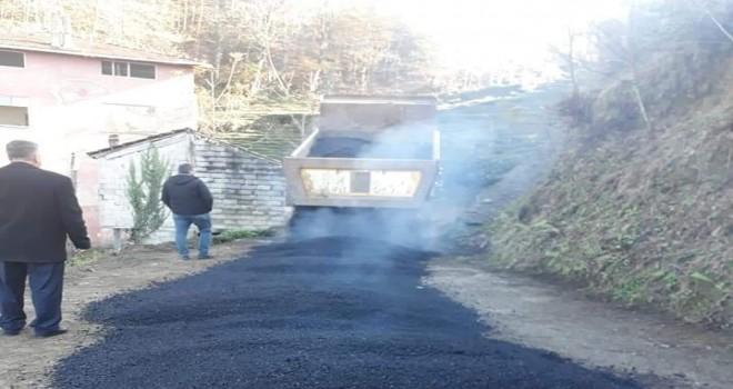 İnci Köyünde  pansuman asfaltlama çalışması
