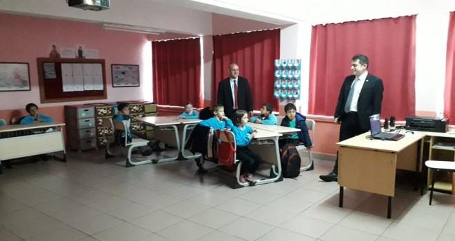 Kalkandere KaymakamıSercan YILMAZ Yolbaşı İlk ve Orta Okulunu ziyaret etti.
