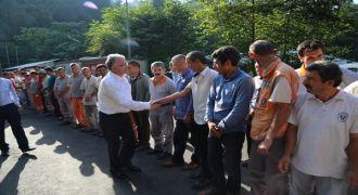Başkan Kasap Temizlik İşçileriyle Bayramlaştı