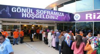 """GÖNÜL SOFRASI"""" İLK İFTARINI VERDİ"""