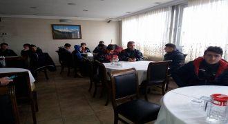 İş Adamı Şahin Keskinden Yolbaşıspor'a Yemek