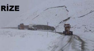 Kar Yağışı Rize'de Ulaşımı Etkiliyor