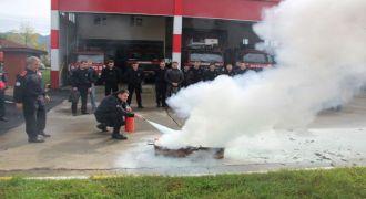 Rize İtfaiyesi Kurumlara Yangın Eğitimi