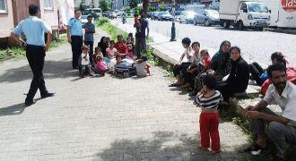 """Rize'de 185"""" Suriyeli İl Dışına Çıkarıldı"""