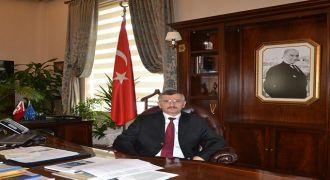 Rize'nin Yeni Valisi Erdoğan Bektaş
