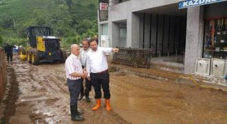 Sağanak yağmur Rize'de Hayatı Felç Etti