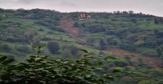 Rize'de çay bahçesinde heyelan meydana geldi
