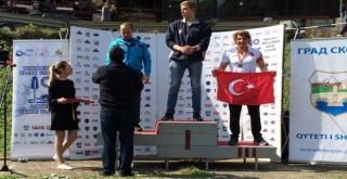 Rizeli Sporcu Avrupa'dan Madalya ile Dönüyor