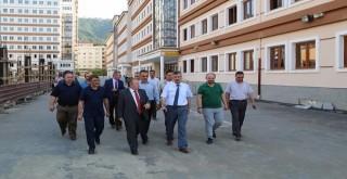 Vali Bektaş,Rize'de yapımı Devam Eden Okulda incelemelerde bulundu