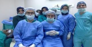 Rize'de Yetiştirdiği Öğrencileriyle Ameliyat Gerçekleştirdi